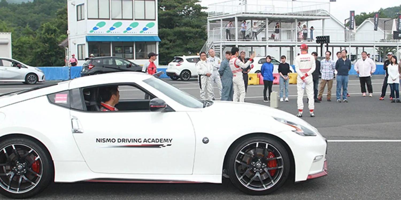 slide-3-motorsport.png